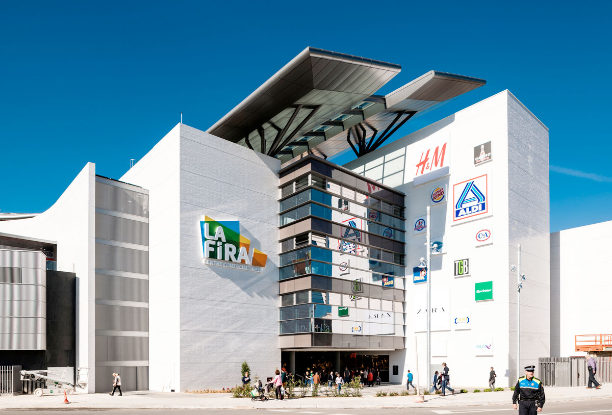 La-Fira-Reus-Metrovacesa-L35-Architects-0001