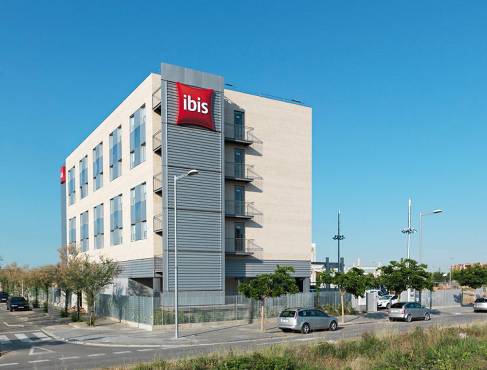 Ibis-hotel-02