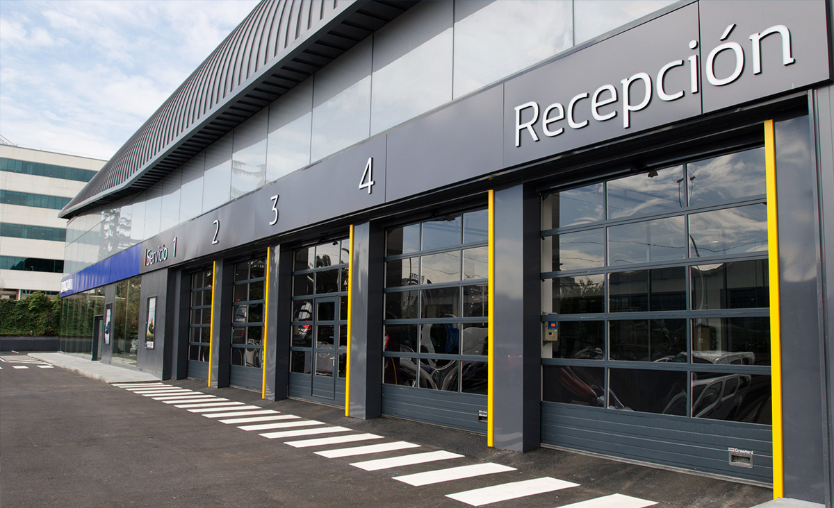 Renault-Retail-005